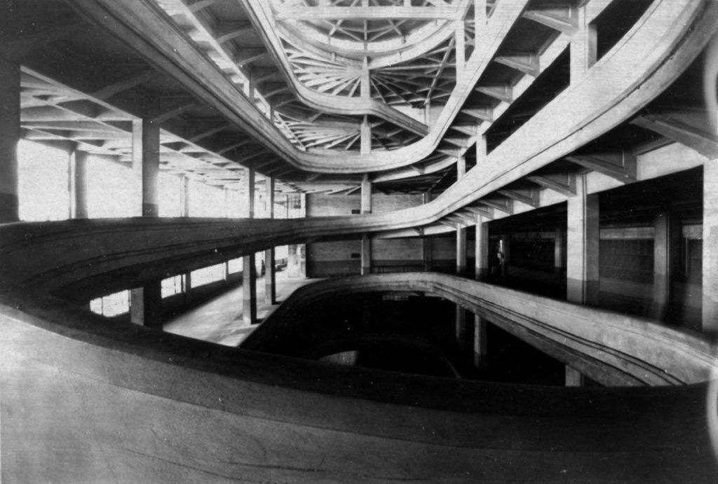 Fotografía de la fábrica de producción de automóviles Ligotto de la FIAT.