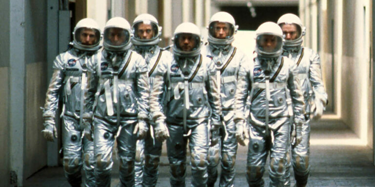 Astronautas del Proyecto Mercury de la película The Right Stuff sobre la carrera espacial.